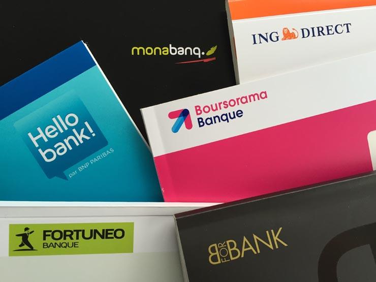 Photos de chéquiers de banques en ligne